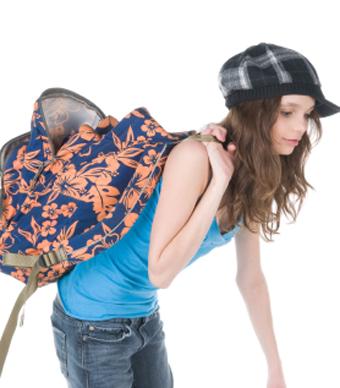 521875a4fa286 نصائح لتخفيف حقيبة طفلك المدرسية وتجنيبه آثارها الخطيرة - الجمال.نت