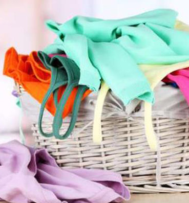 12e0d016df0e9 7 خطوات للحفاظ على ألوان ملابسك - الجمال.نت