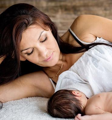 611fa60fa84c3 تعرفي على تأثيرات الرضاعة الطبيعية على العلاقة الجنسية - الجمال.نت