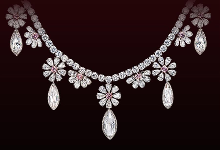 أبرز إتجاهات الماس .. قلادات ومشابك من الزهور .. ؟؟