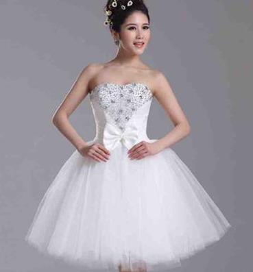 نصائح لاختيار فستان الزفاف للعروس القصيرة